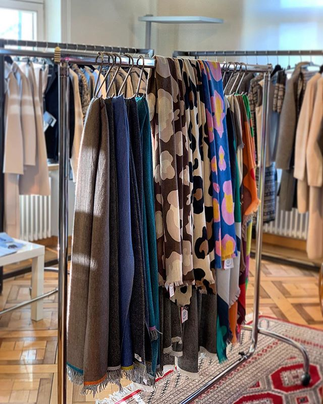 We are happy to announce that the winter collection 2019-2020 of Purest cashmere accessories can now be discovered in the Marco Bruhin showroom @modeagenturmarcobruhin in Zurich Schlieren, a family-run company that specializes in the positioning of classy and modern Italian fashion labels on the Swiss market.  #modeagenturmarcobruhin #PURESTCashmere #cashmerescarf #cashmerescarves #cashmerelove #madeinitaly #showroom #swissbrand #luxurycashmere #cashmere #kaschmirschal #kaschmir #кашемировыйшарф #brandscarf #purecashmere #cashmereshawl #cashmereshawls #luxuryscarf #luxuryscarves