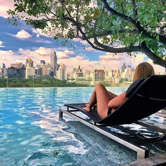 Nope that's not Central Park NYC on the horizon... This is the view from the Water Club 10th floor pool deck at @sosofitelbangkok over Lumpini Park. A great spot to get a different perspective of the city. Where's your favourite hangs in BKK? Pic: @meagcroce . . . . . #travels #travel #traveller #travelling #travelgram #style #styleblogger #travelinspo #vacation #vacay #instatravel #travelblogger #travelblog #travelphotography #travellove #picoftheday #travelstagram #trip #wanderlust #qantas #sofitel #sosofitel #bangkok #bangkokthailand #sosofitelbangkok #bangkokfashion #thailand #qantas #qantasairways #qantastravelinsider
