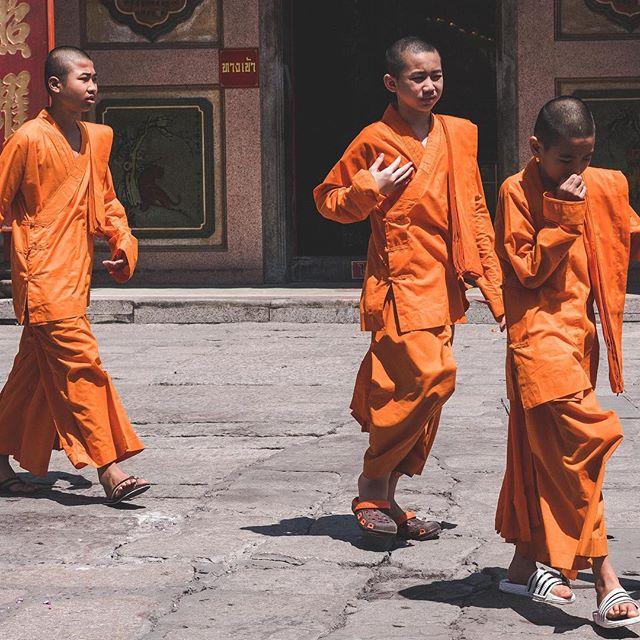 """Be where you are; otherwise you will miss your life."" Buddha. 🙏 Pic: @worldofleedham . . . . . . . . #buddhist #buddhistquotes #buddhisttemple #buddhistmonk #buddhistmonks #saffronrobes #saffron #thailand🇹🇭 #bangkokthailand #bangkok #accorhotelsapac #accorhotels #feelwelcome #jaan #accorhotels_apac #sosofitelbangkok #AmazingThailand #OpentotheNewShades #TakeMeTour #LocalExpert #hugthailand #qantas #qantasairways #qantastravelinsider #thailand #travel #travelgram #travelphotography #travels #karryontravel"