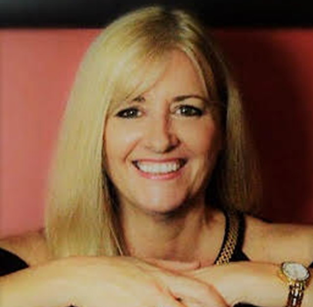 Tracy has been teaching for over thirty years, and holds an Associate and Licentiate Diploma in music. During this time she has played in many pop/rock bands and is still playing regular shows with two bands. Able to teach all styles of music, Tracy likes to encourage students to be creative & improvisational in their approach and most importantly – have a lot of fun in their journey to become confident, competent musicians.