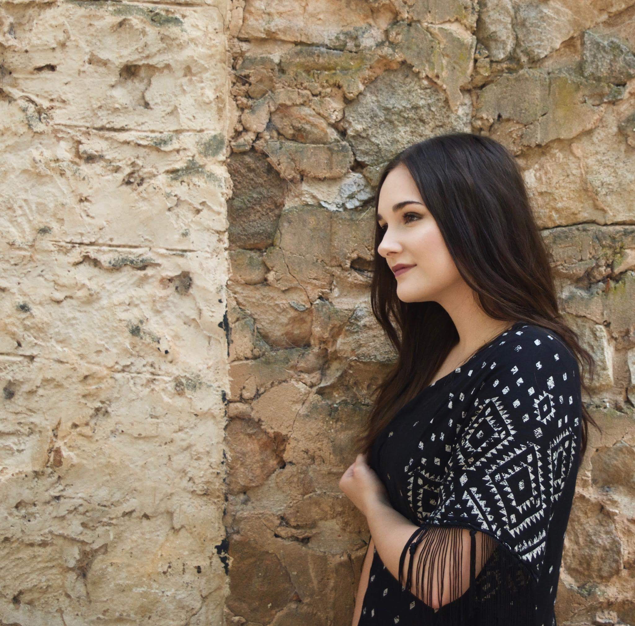Sadie Humphrey has been singing since age six. She has completed her Diploma of Music through TAFE SA and is now currently studying a Bachelor of Jazz Performance and Pedagogy. Sadie grew up in South East London, moving to Adelaide in 2008. She is a vocal coach for all genres – Jazz, Pop, Blues, R&B, Rock, Country, Soul, Latin, Motown and Musical Theatre– working with individuals and group vocalists, focusing on technique, performance and musicianship.