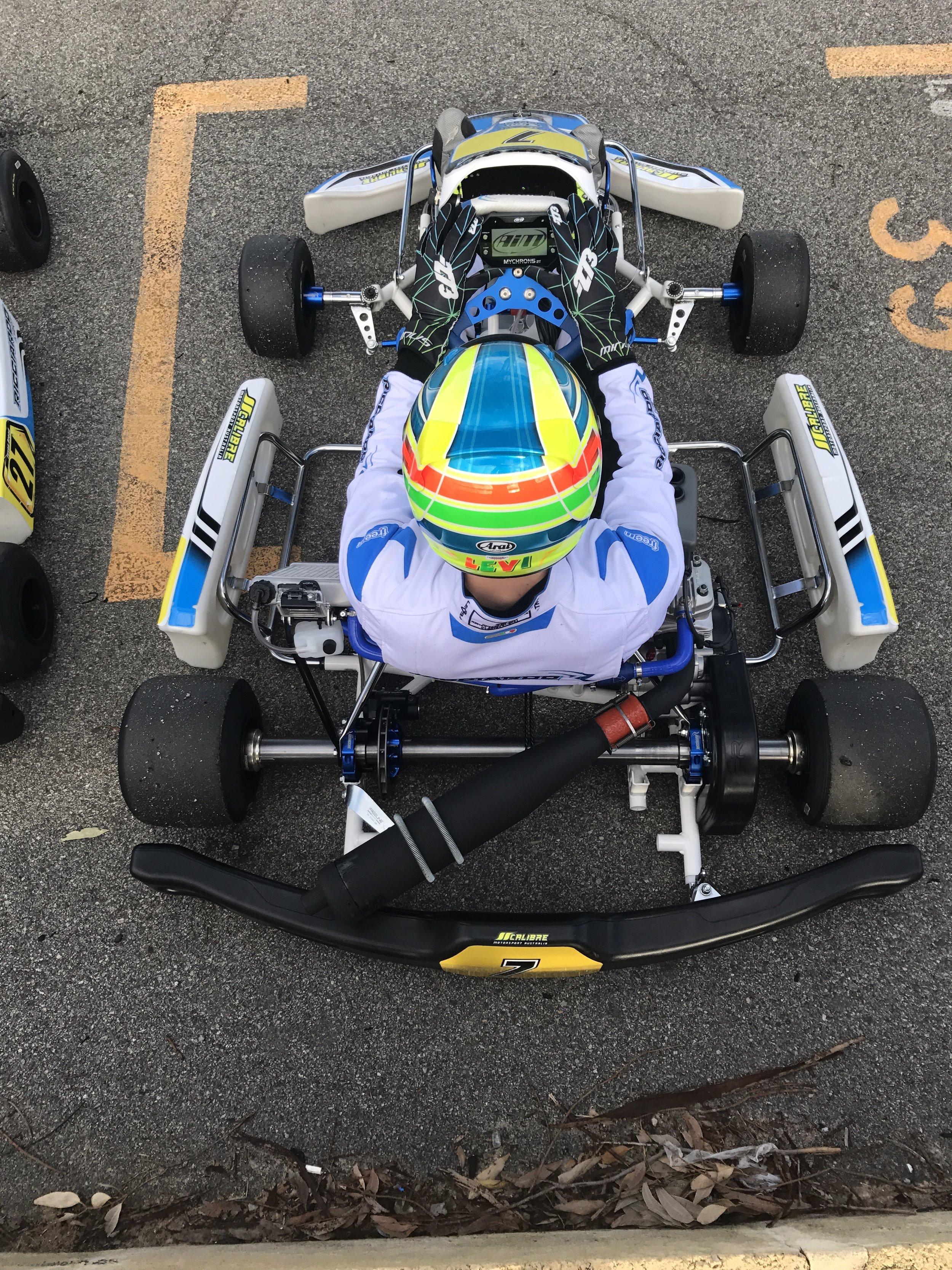RACE MECHANIC -