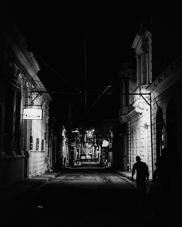 Santiago de Cuba #leicam7 #ilfordhp5 #summilux35 ⠀⠀⠀⠀⠀⠀⠀⠀⠀ ⠀⠀⠀⠀⠀⠀⠀⠀⠀ #leicacamera #leicaphoto #leicam #leicacraft #passionleica #streetartphotography #streetphoto_bw #streetbw #streettogs #streetphotos #streetphoto #streetshots #streetphoto_bnw #streetphotograph #streetphotography_bw #monochromephotography #monochromelovers #monochromeart #blackandwhiteportrait #blackandwhitepic #blackandwhiteart #bw_shotz #bwphotography #bw_photography #bwoftheday
