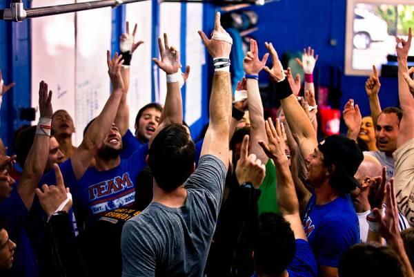 La community - la tua rete di supporto.in più di 15.000 box in tutto il mondo,la gente si incoraggia e motiva a vicenda in ogni classe,mentre lavorano duro per i loro obiettivi.comincia ad allenarti con degli amici.