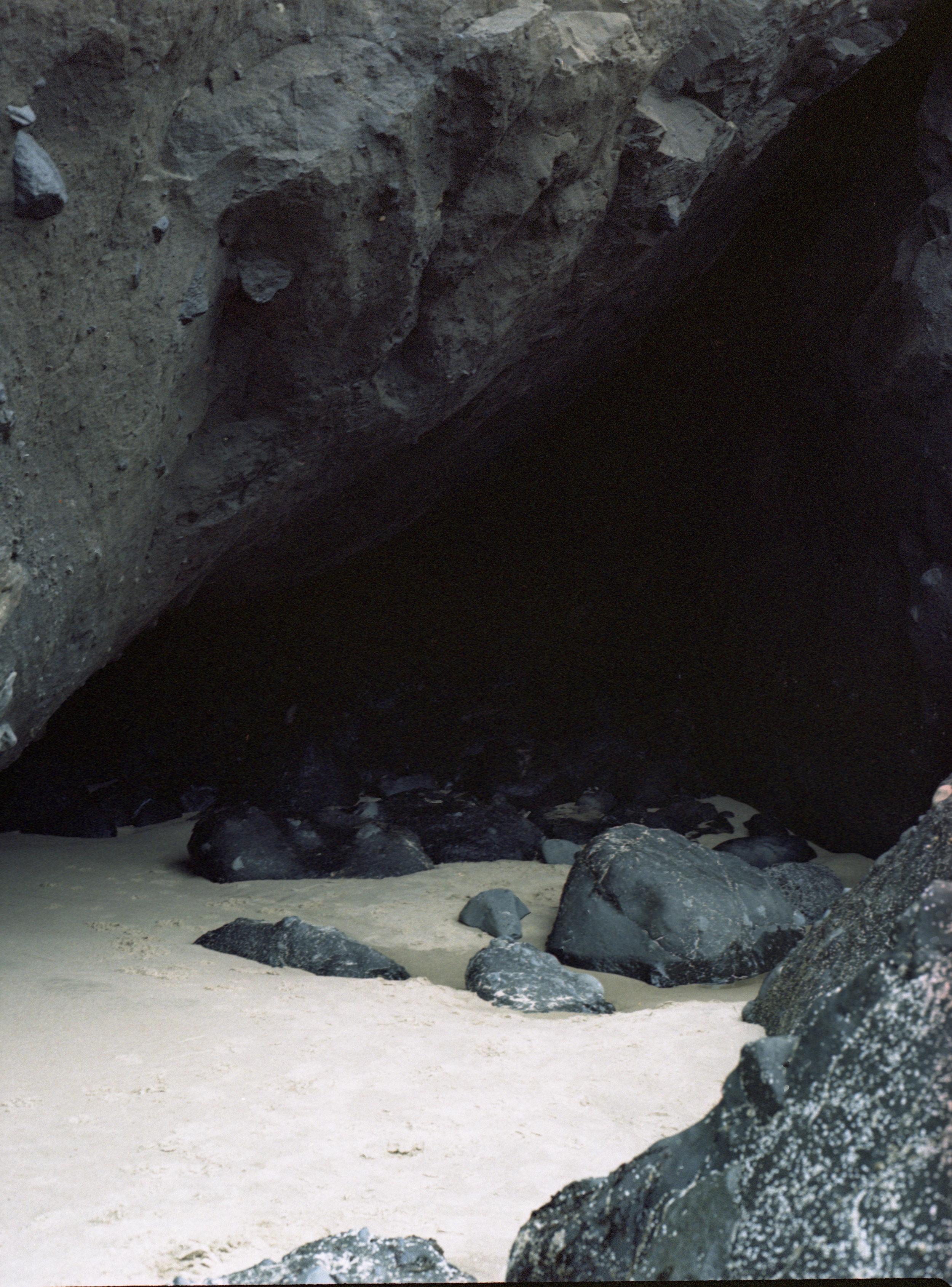 02_Cave.jpg