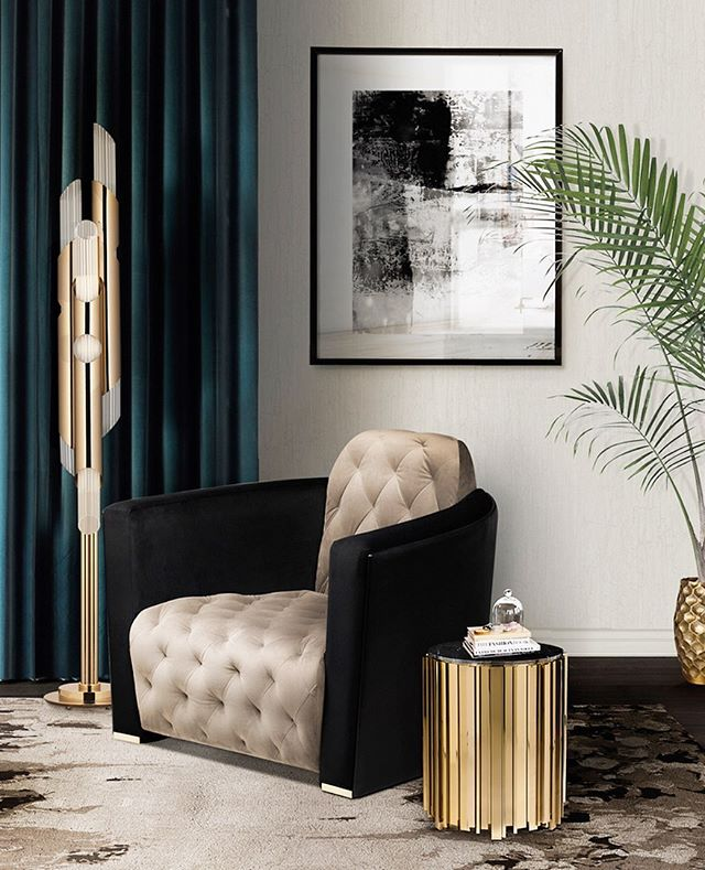 Draycott takes a different posture to create an elegant floor lamp with subtle and delicate crystal tubes. . . . . #worldofinteriors #homedesign #elledeco #luxuryinterior #floorlamp #luxedecor #luxurydesign #luxurylighting #interior123 #interior125 #interior124 #decorationideas #luxurydecor #londoninteriors