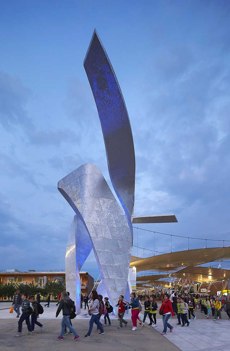 studio-libeskind_wings_expo-2015_huftoncrow_002-2280x3487.jpg