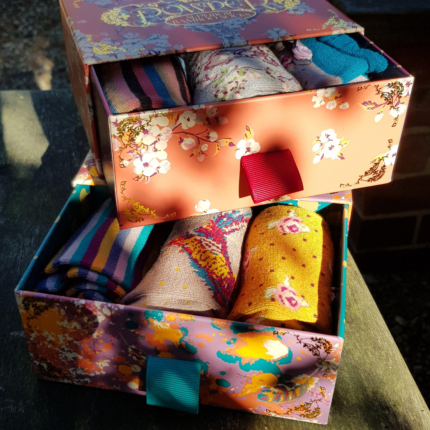 pretty_patterned_socks_in_boxes_by_powder.jpg