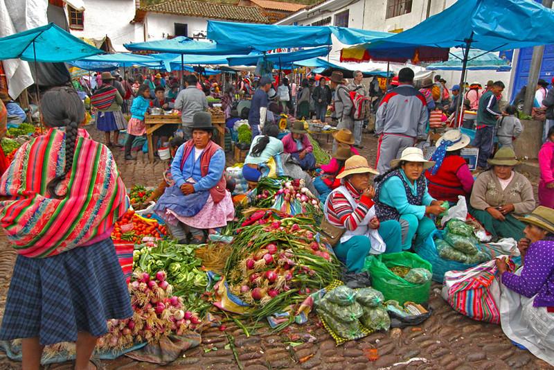 Peru-Sacred-Valley-Pisac-Market5-L.jpg