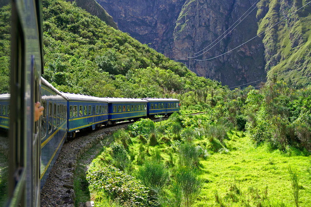 train-ride-to-machu-pichu.jpg