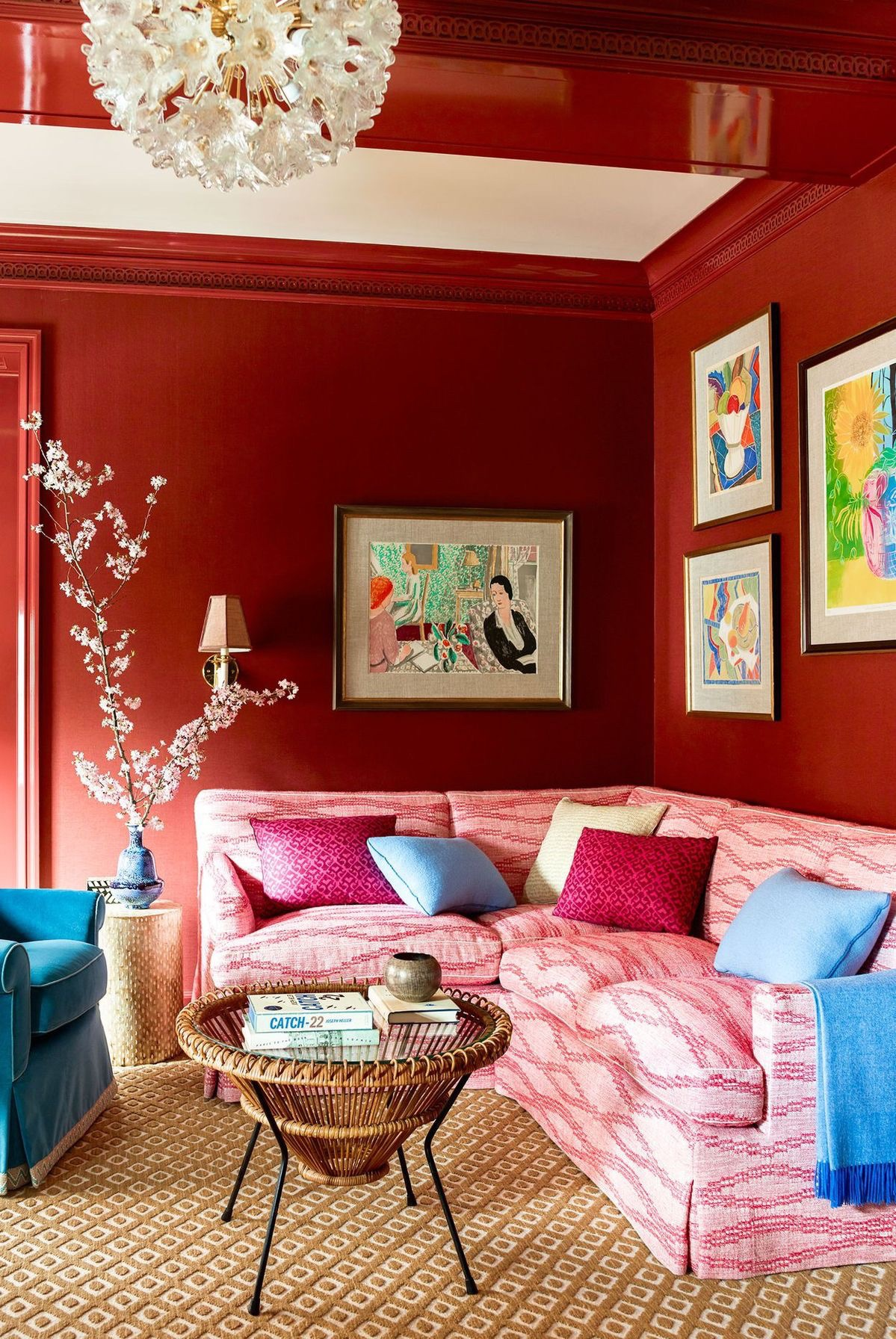 Each color - found in the walls, art, couch, chair and accent pillows - infuses its own character. Together they create an absolutely intriguing blend.   Courtesy of Pinterest