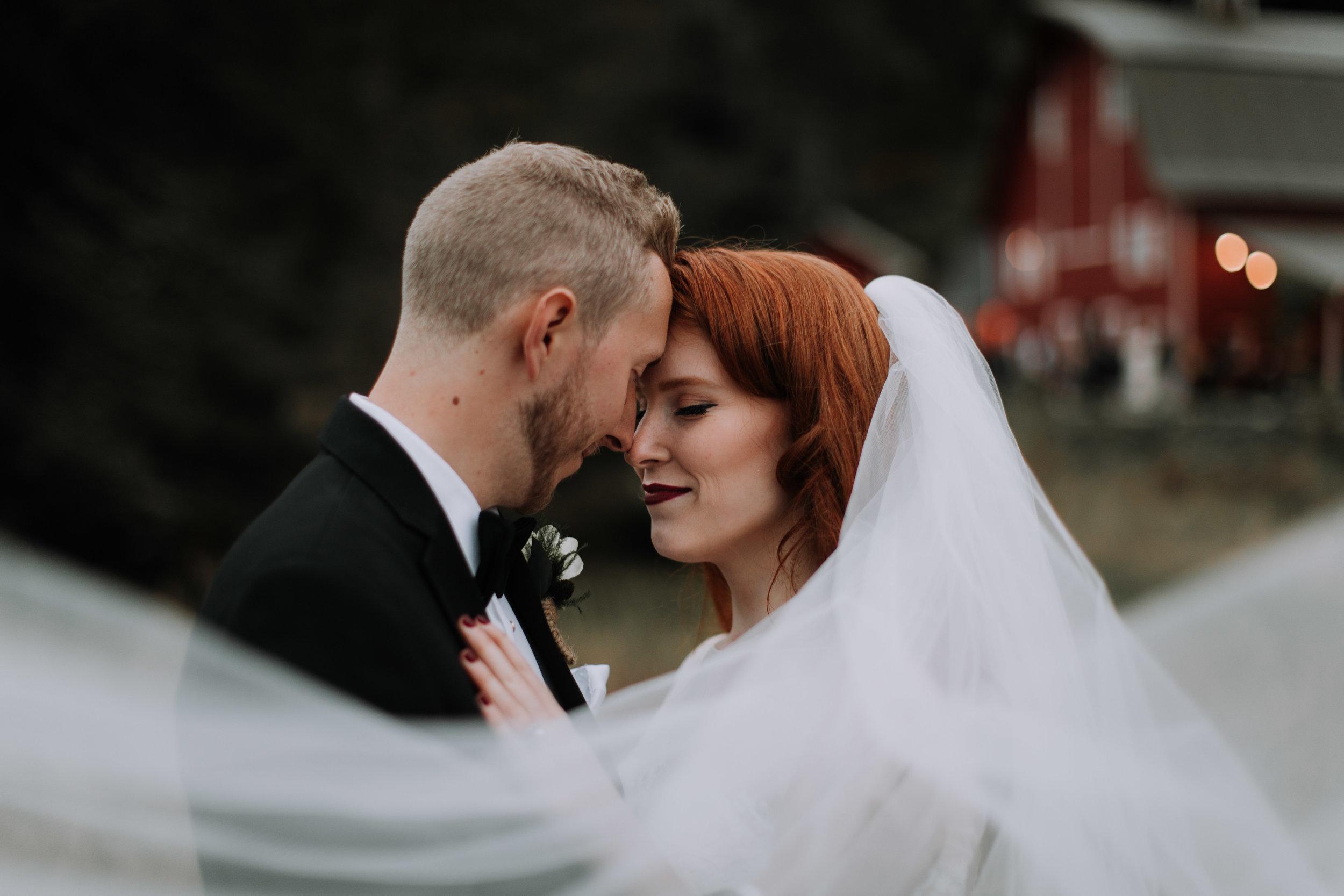 adam sophie red barn wedding arlington washington foggy day pnw