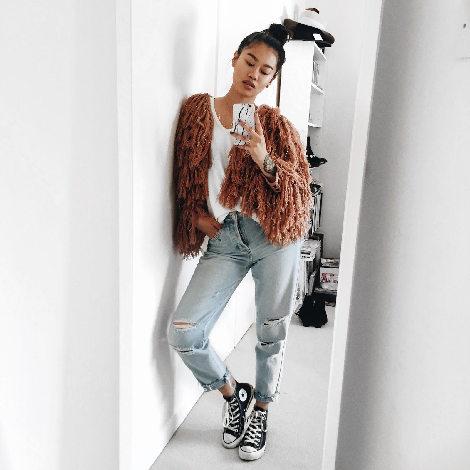 WHAT I'M WEARING - Tularosa Cardiganvia RevolveBrandy Melville jeansConversesAllSaintstee