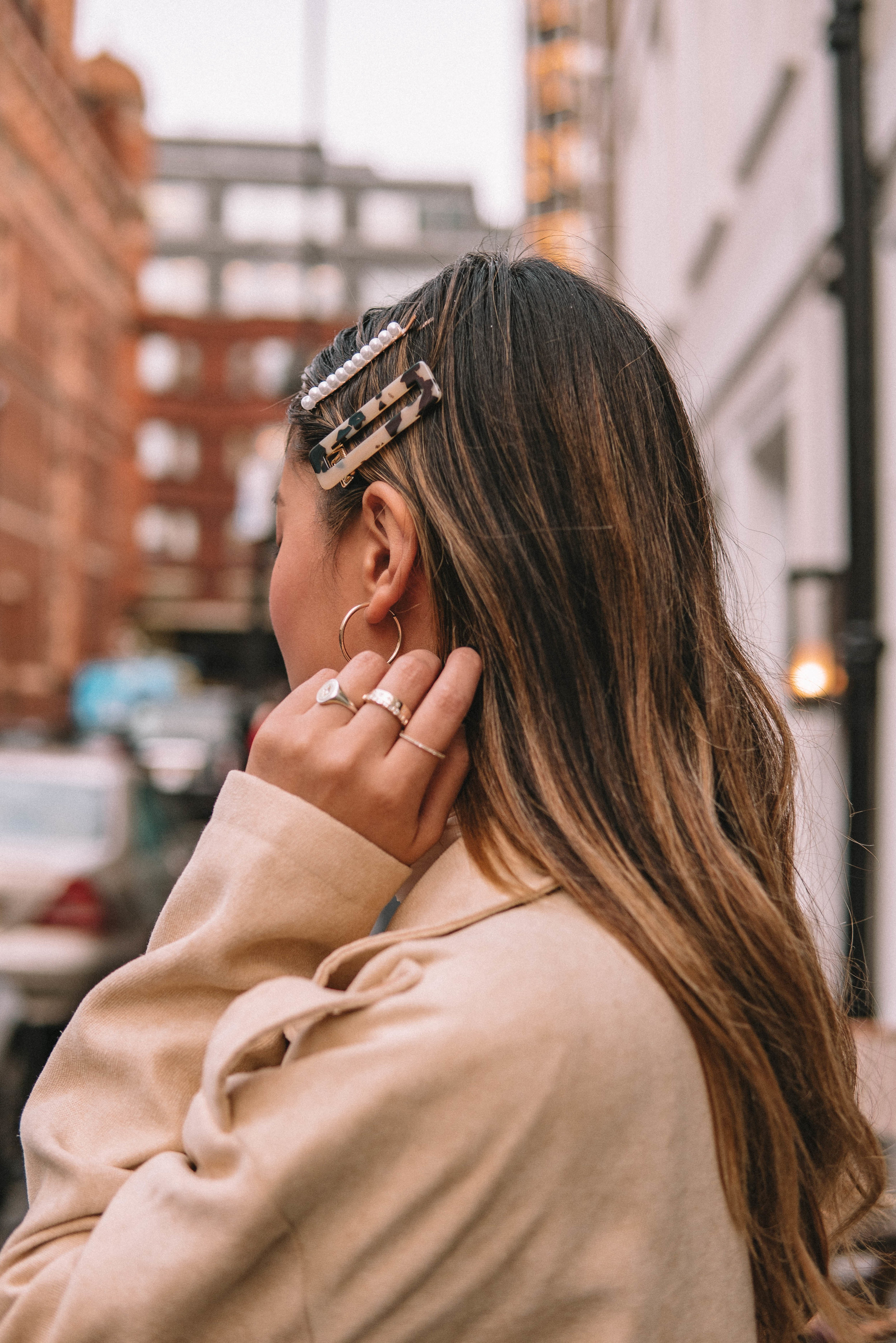 Seeing hair clips come back into our daily styling makes me so happy. Reminding me of my younger days where all I wanted was braids and clips. -