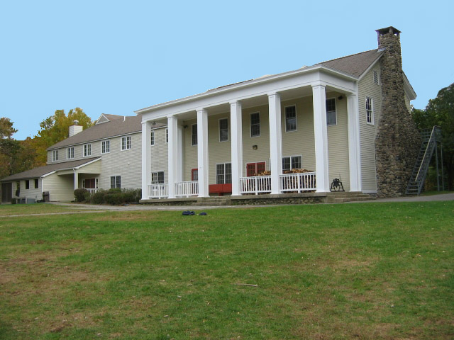 Camp_Washington bldg1a.jpg