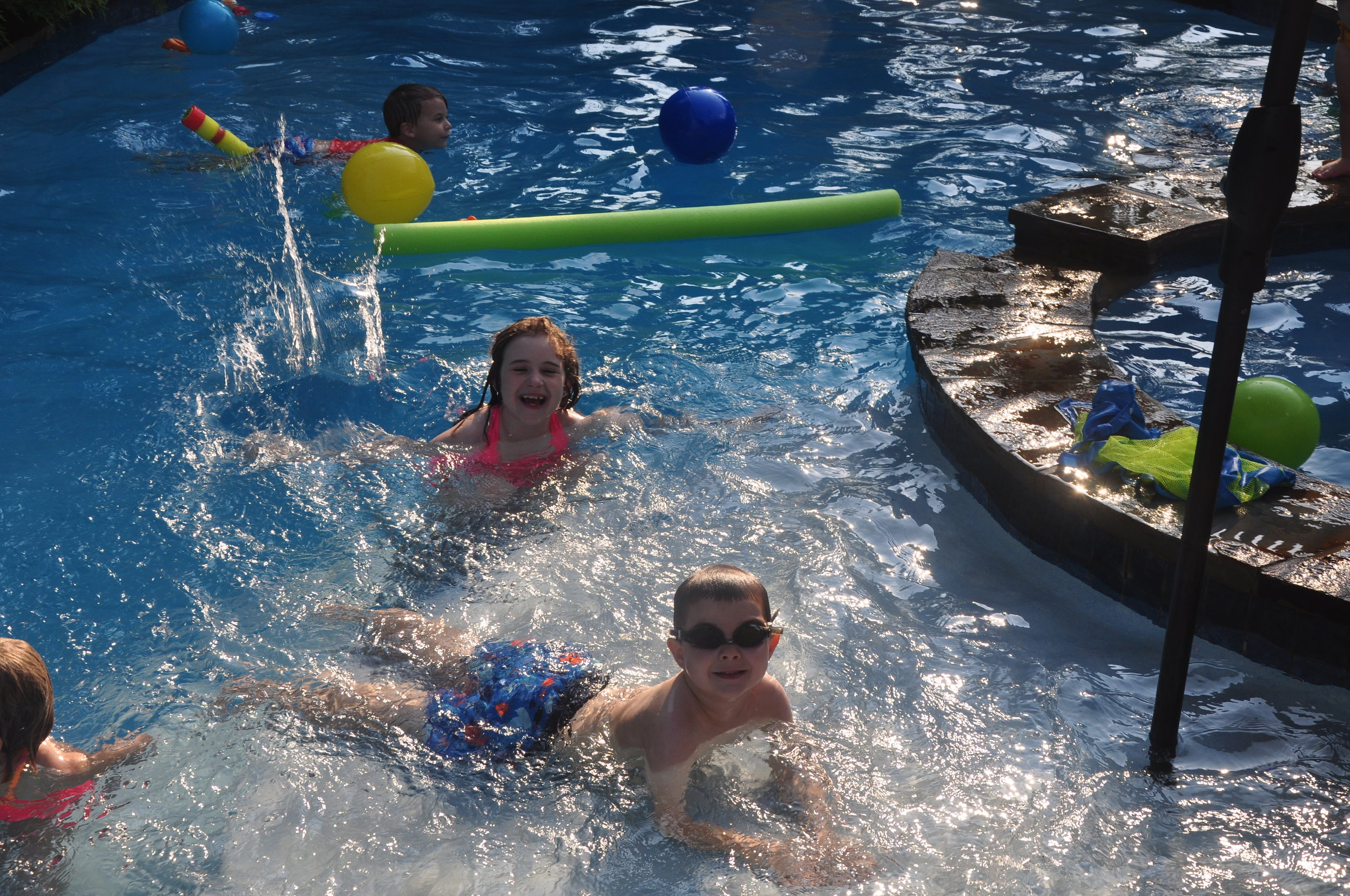 pool party nora and quinten.jpg