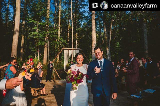 #Repost @canaanvalleyfarm with @get_repost ・・・ Still dreaming of last weekends wedding!! 💍 Congratulations Jenn & Steve!! 🎉 •• • @amwstudios  @weddingbellesnc  @laurawillcut_you  @ladyluckflowerfarm •• #wedding #weddingvenue #weddingphotography #brideandgroom #828isgreat #bride #herecomesthebride #mountainweddings #cheers #justmarried #bridegoals #inspiration #ashevilleweddingvendors