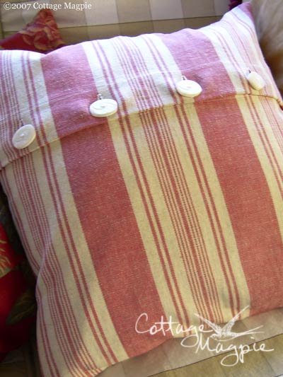 Christmas Pillow Giveaway, Day 2