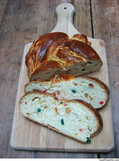 Christmas Bread Recipe via Cottage Magpie