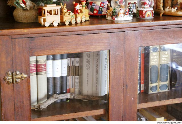 Glassed Bookcase via Cottage Magpie