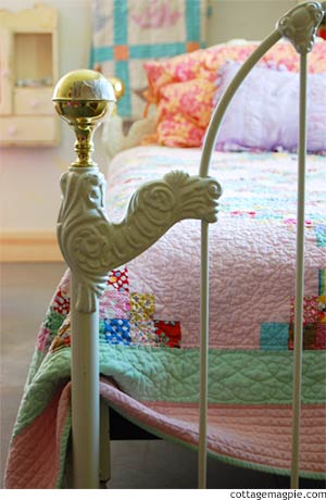 Iron Daybed for the Family Room via cottagemagpie.com