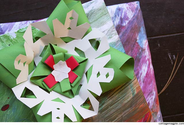 christmas-parade-family-activities-homemade-wrapping-paper.jpg