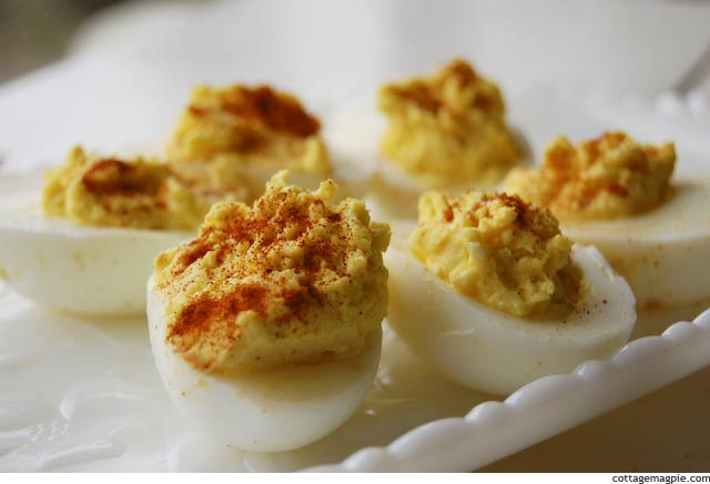 christmas-parade-recipes-deviled-eggs.jpg