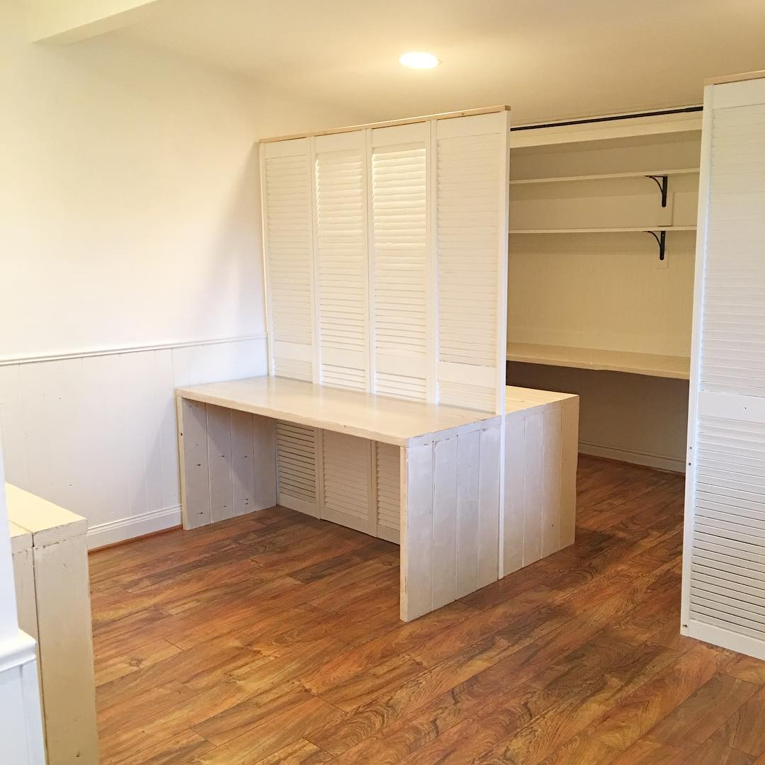 Shared Office Space in Bonus Room - via www.cottagemagpie.com