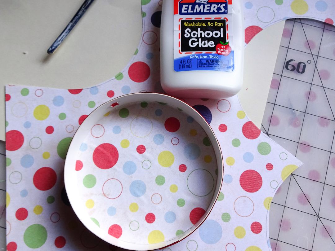 Fitting and Glueing Paper to Inside of Valentine's Day Shadowbox Ornament via www.angelamaywaller.com