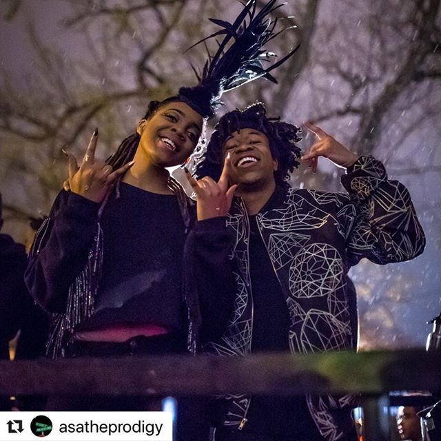 #Repost @asatheprodigy with @make_repost ・・・ NICK N-NICK-NICK-N-NICK-NICK-NICK... NICKELODEON 🧡🧡🧡🧡🧡🧡🧡🧡🧡🧡🧡🧡🧡🧡 WE BOUTA BE ON @teennicktv AT 12:36AM TUNE IN WE BOUTA BE LIVEEEEE TALK ABOUT A #tbt