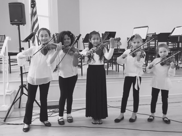 Olivia Jeorie Bianca Amelia Eva with violins.jpg