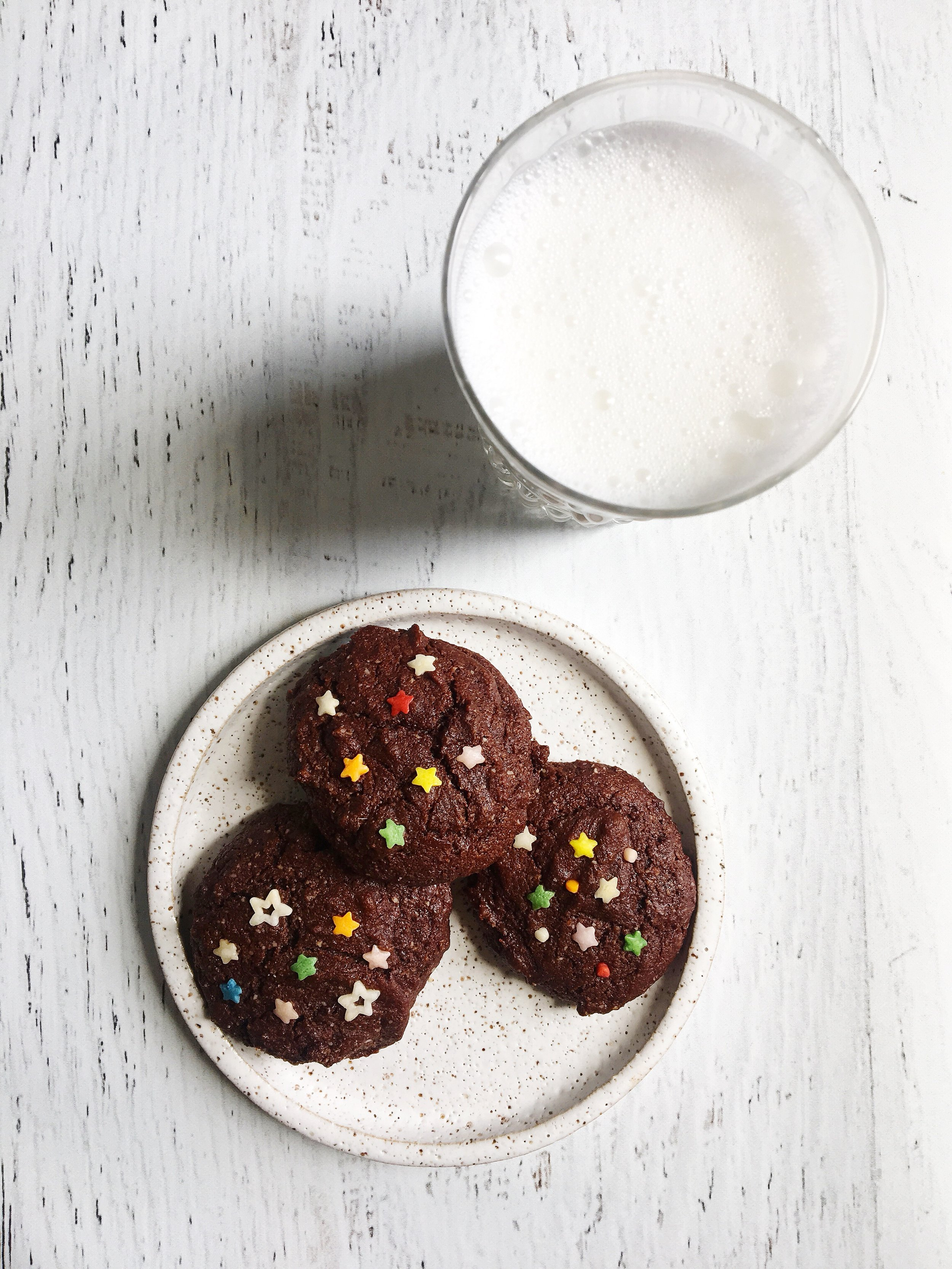 Double chocolate paleo cookies.JPG