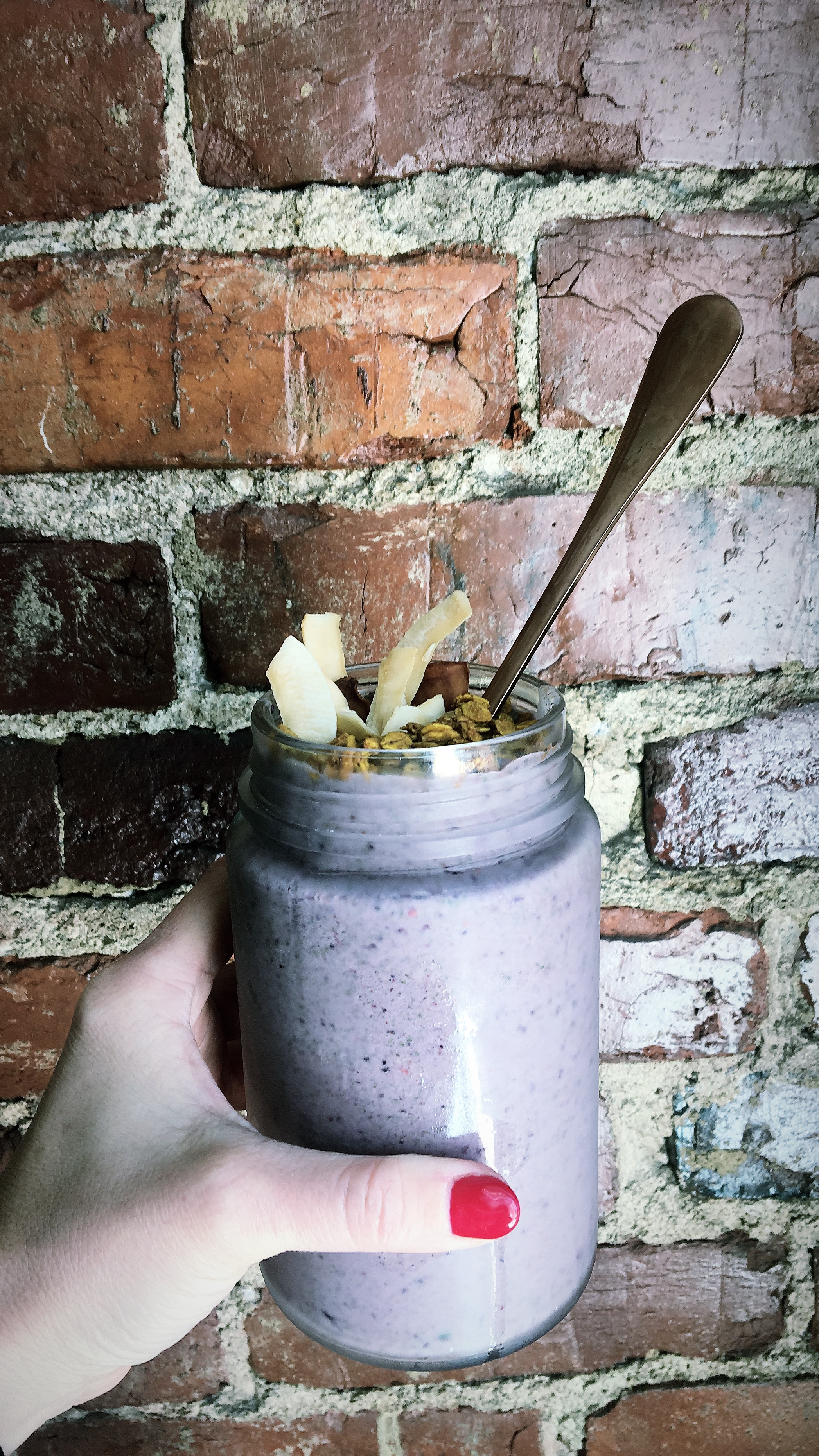 whitespace_and_wellness_ Blueberry_Vanilla_Smoothie
