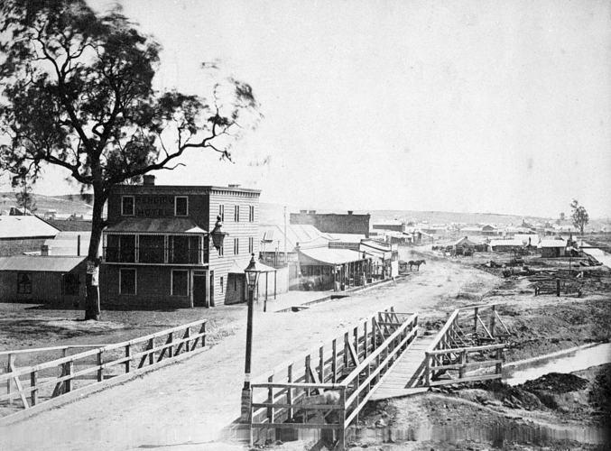 Bridge Street Sandhurst, Over Bendigo Creek, A Fox Studio (1857) Source: Museums Victoria