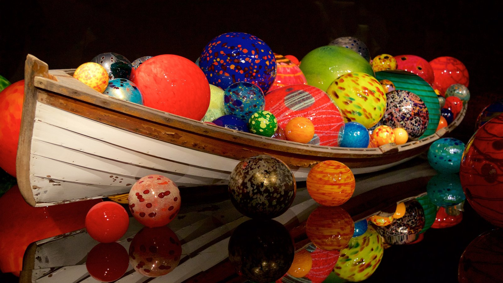 171244-Dale-Chihuly-Glass-Museum.jpg