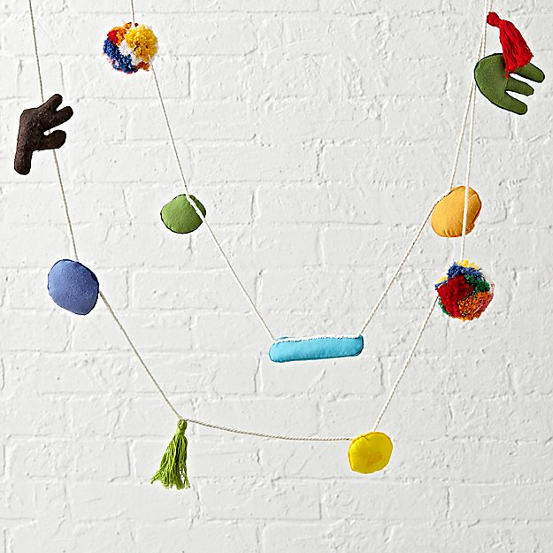abstract-felt-garland.jpg