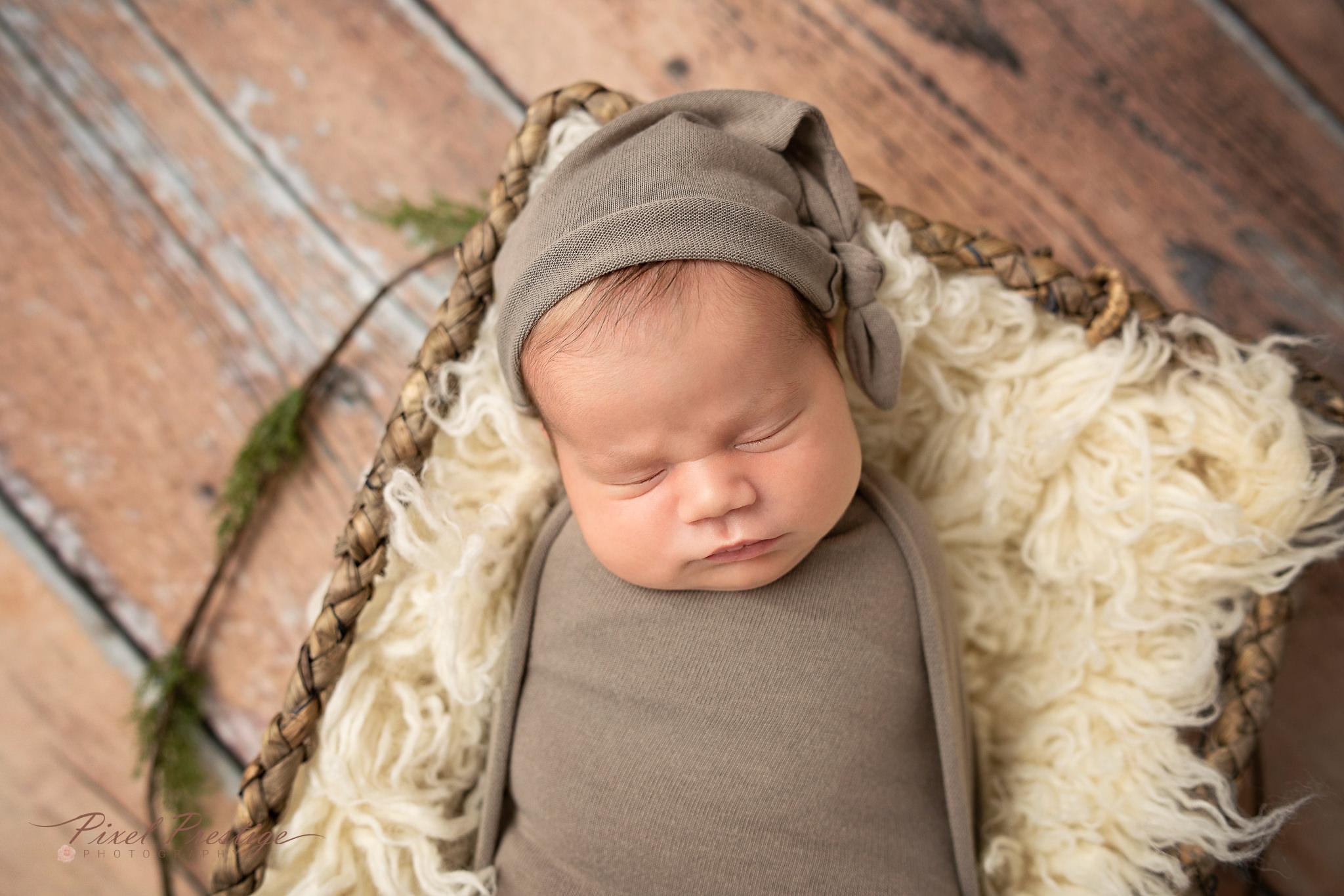 Pereira newborn session Knoxville (25).jpg