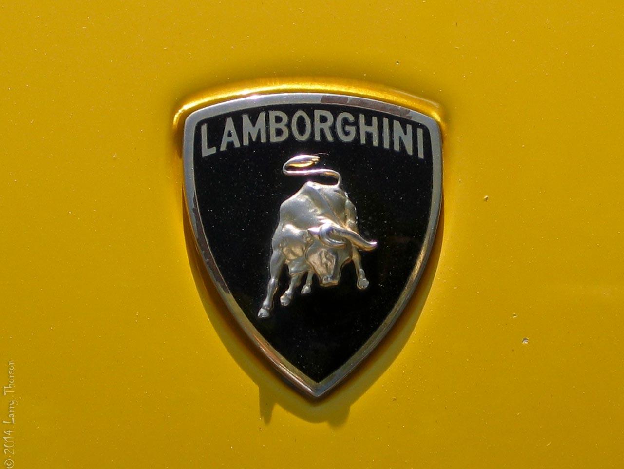 Lamborghini-badge.jpg