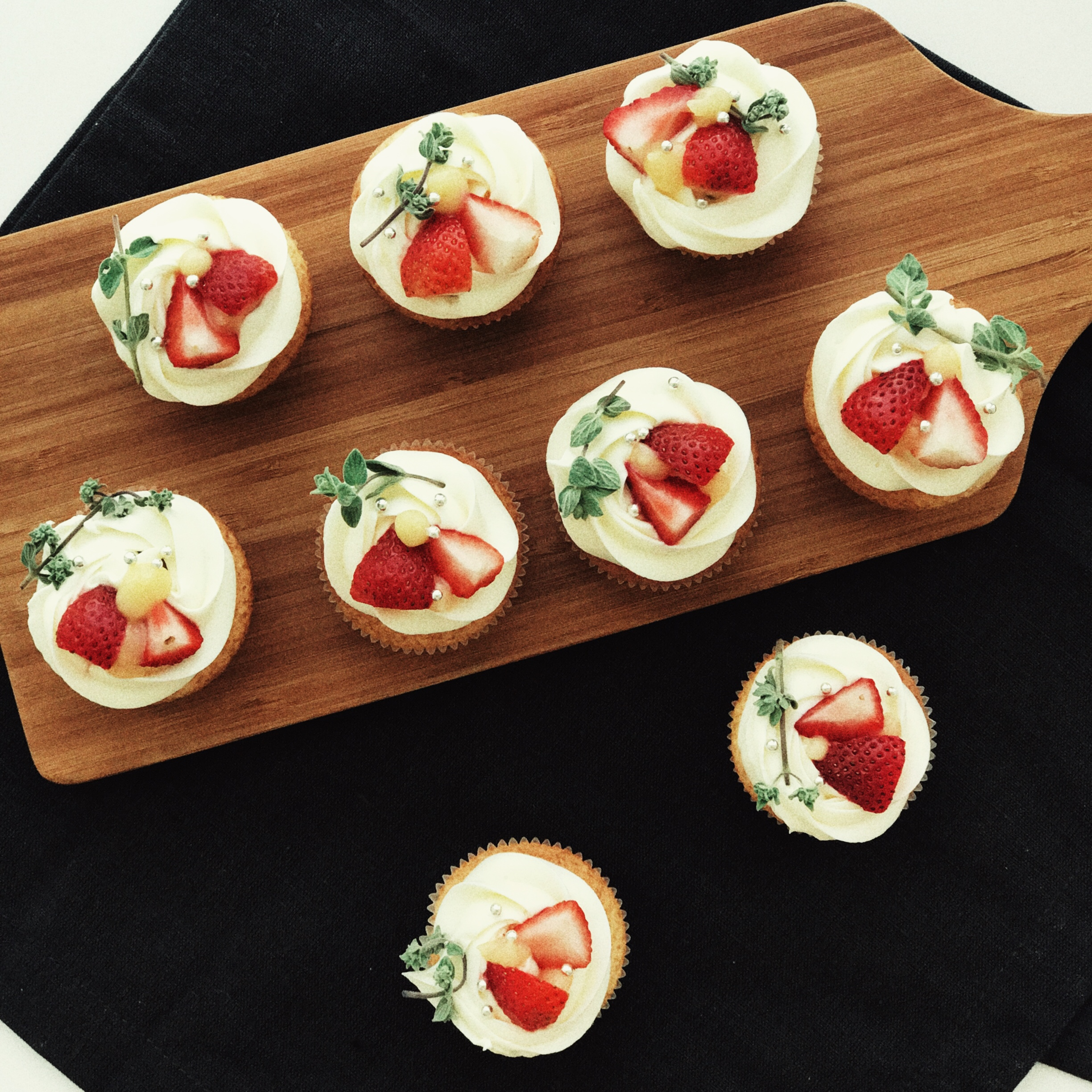 Lemon Cupcakes with fresh strawberries and lemon curd by The Good Cake