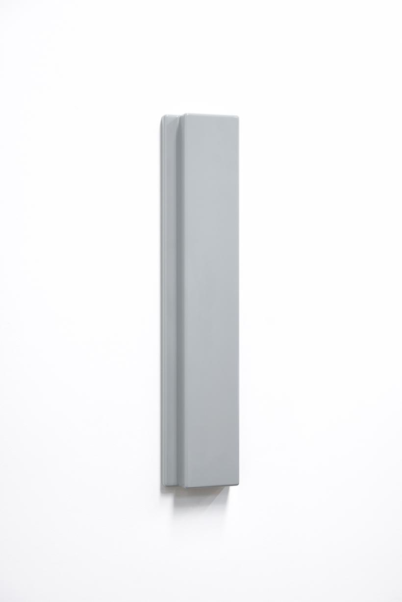 SUZIE IDIENS  Untitled #1  2016 polyurethane board polyurethane 70 × 14 × 5 cm