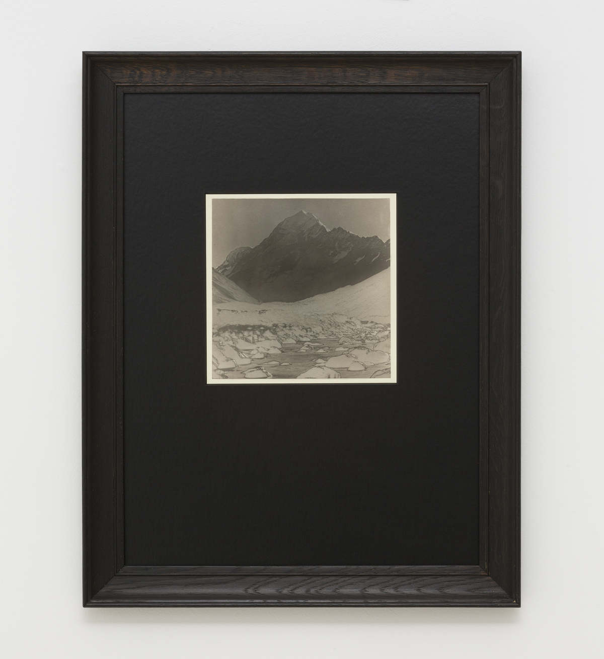 Simon Kennedy, Silver Mountain,Artist, Gallery 9