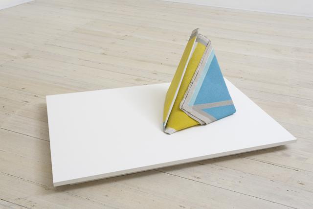 LYNNE EASTAWAY  Fold 1  2014 acrylic on heavy Belgian linen 40 ×40 ×5 cm