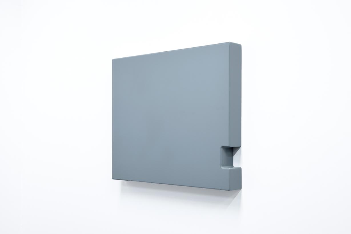 SUZIE IDIENS  Untitled #2  2016 MDF, polyurethane 58 × 69 × 8 cm