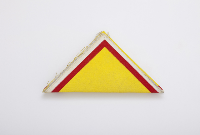 Lynne Eastaway  Folded  2012 gesso and acrylic on heavy linen 30 ×57 ×8.5 cm
