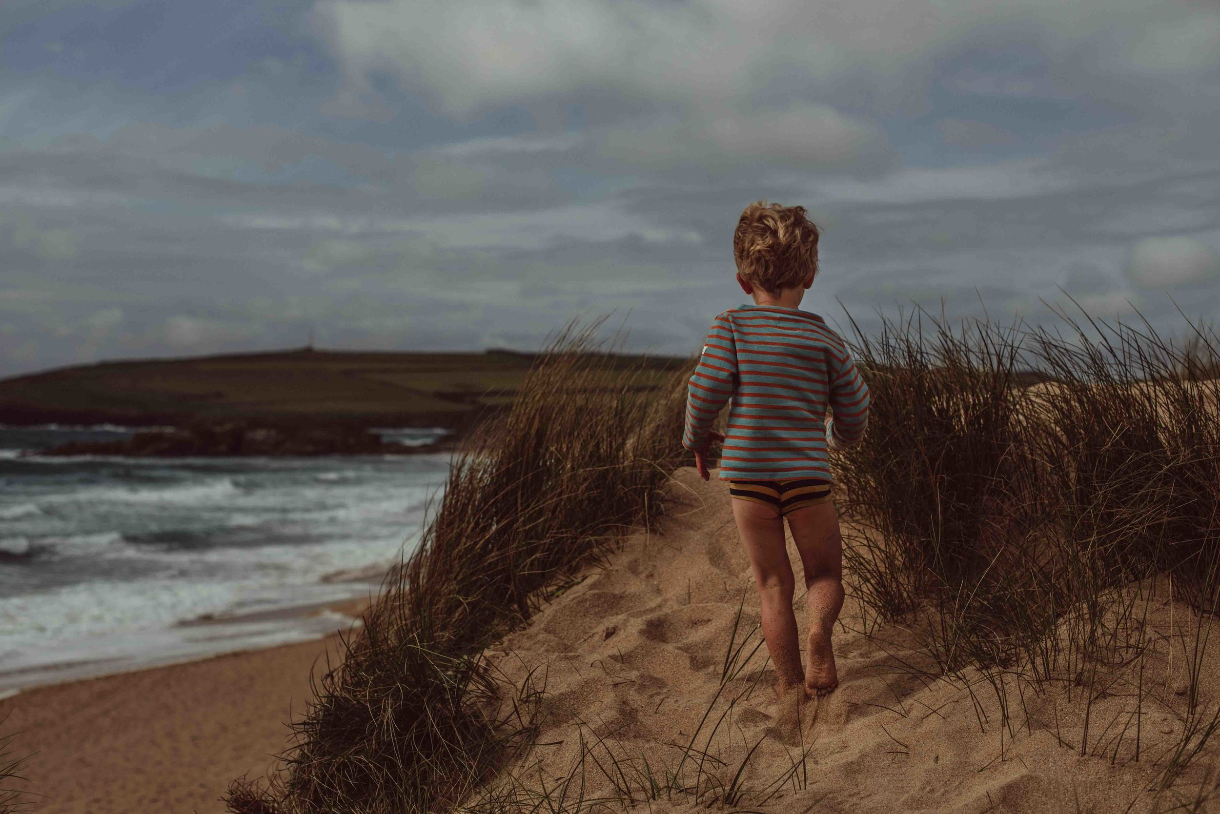 natural family photos in Cornwall