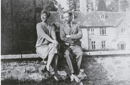 Dorothy and Leonard Elmhirst at Dartington. (Image:  https://www.dartington.org /)