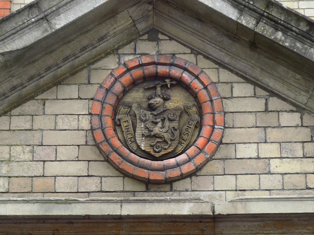The Bligh coats of arms, with the family motto of ' Finem Respice'