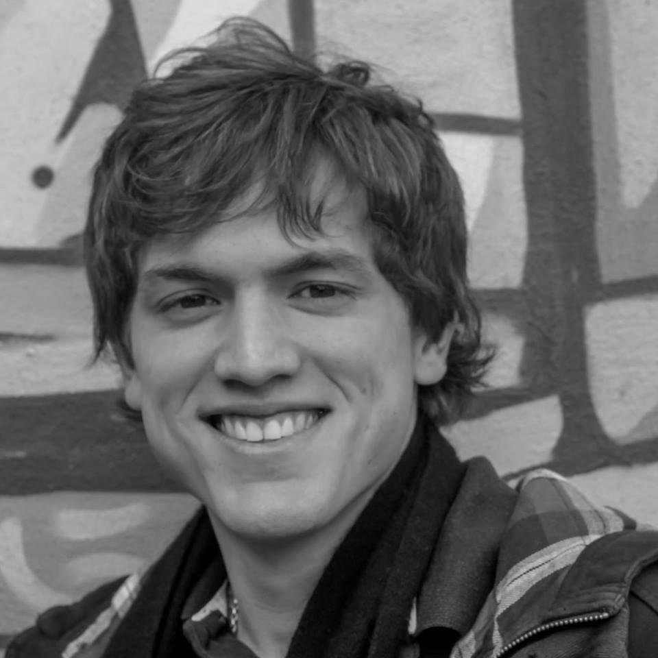 Santiago Campos Cervera - PY   Coordinador de ecosistema en Koga Impact Lab, miembro del directorio de Sistema B Paraguay y de la organización Enseña por Paraguay. Co-fundador del Capítulo de Asunción de Singularity University y es Global Shaper del Foro Económico Mundial. Anteriormente, además de liderar distintas iniciativas relacionadas a juventud y liderazgo, trabajó en la promoción de leyes relacionadas a Educación y Juventud (FONACIDE); fue Coordinador de Comunicaciones y Participación Ciudadana en la organización Juventud Que Se Mueve y Coordinador de Comunicación Digital y Marketing de la Visita del Papa Francisco a Paraguay en el 2015.