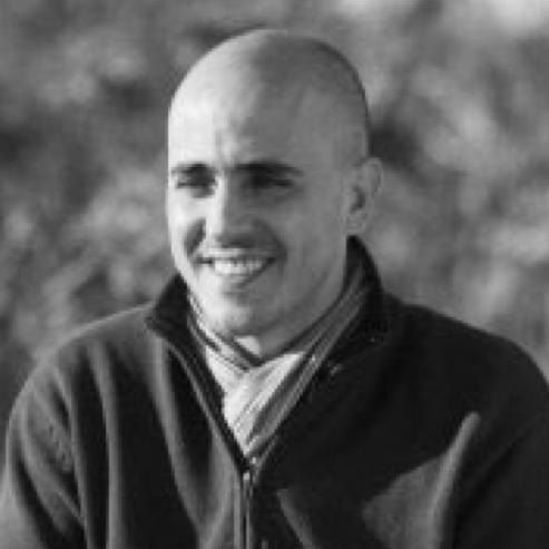 Emiliano Fazio - ARG  Co- Fundador de NJAMBRE.  Emiliano es un emprendedor que une los puntos entre la innovación pública y la privada y busca generar transformaciones a través del impact holding que dirige en donde incuban a empresas sociales. Emiliano ha sido participe de TEDx en Mendoza y es reconocido por su trabajo en RUTA N – Medellín.  .