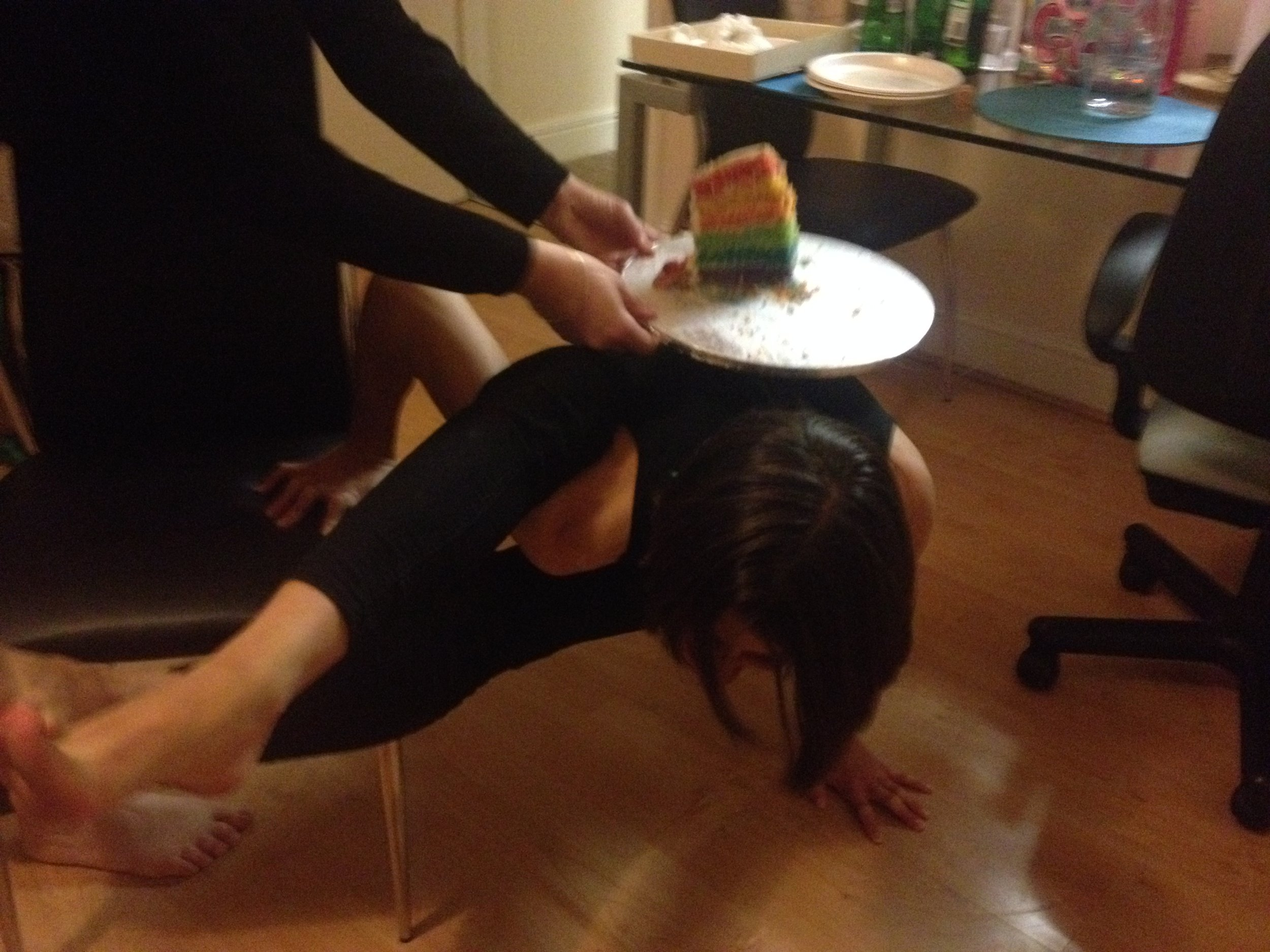 Eight angle pose + cake stand!